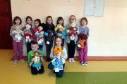 Zaproszenie na licytację charytatywnych laleczek UNICEF