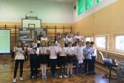 Festiwal piosenki patriotycznej przygotowany przez uczniów klas IV – VI w ramach obchodów Narodowego  Święta Niepodległości