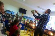 Żywa lekcja przyrody w klasie II A i II B